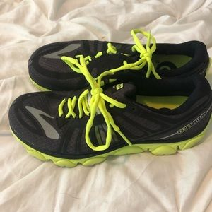 Brooks Pure Flow running shoes women's size 9.5